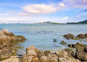 Playa de roca y piedras - Así nació El Pecado Que Mató A Carolina Martín
